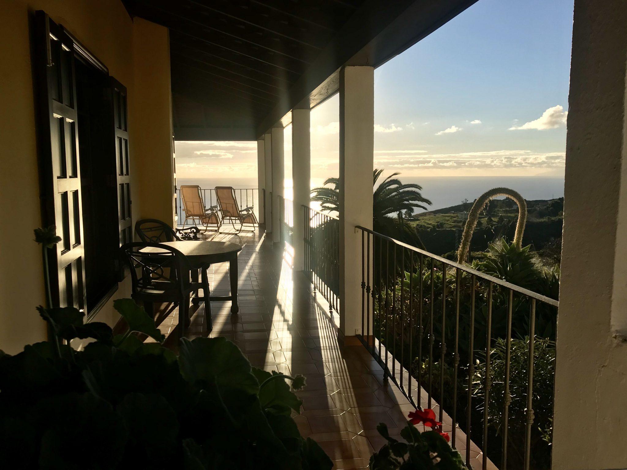 Meerblick vom umlaufenden Balkon