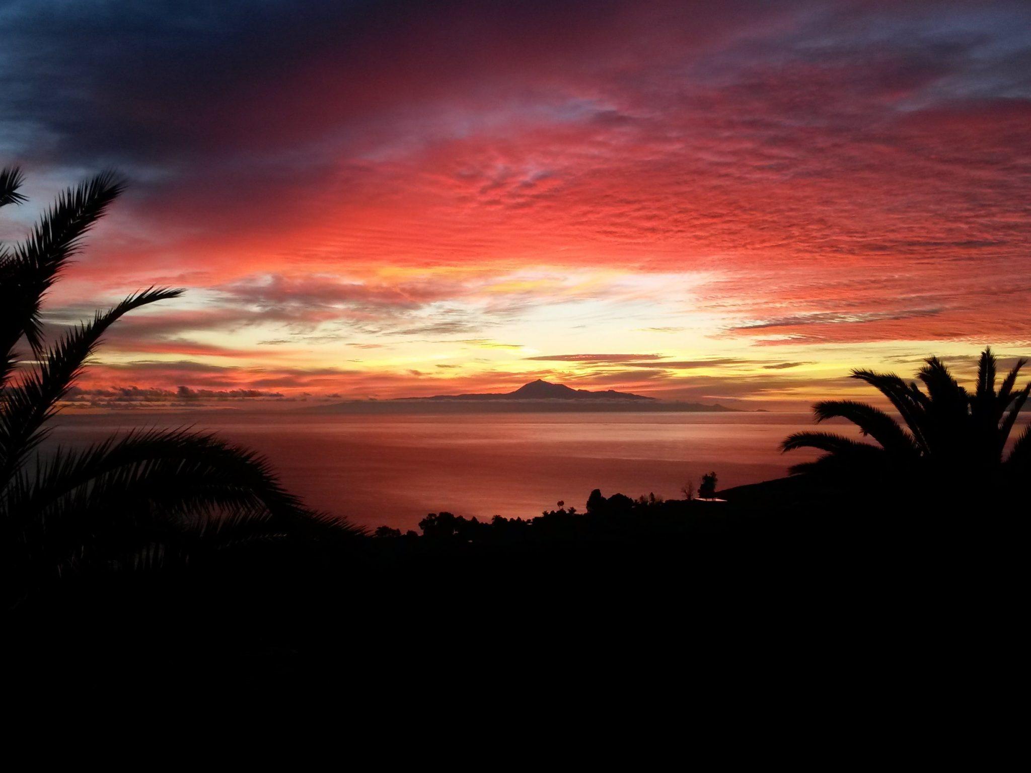 Sonnenaufgang von der Terrasse mit Blick auf Teneriffa